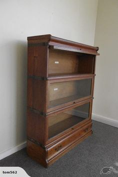Elegant book case come display cabinet.