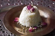 Take your taste-buds on an exotic journey with this authentic Iranian version of rice pudding. Homemade Rice Pudding, Creamy Rice Pudding, Lebanese Recipes, Middle Eastern Recipes, Rose Water, Winter Food, Love Food, Delicious Desserts, Food To Make