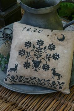 Blackwork Pinkeep | Stacy Nash