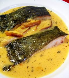 """Rodaballo al horno en salsa de sidra y boletus"", un plato de pescado que…"