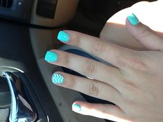 Chevron nails. I seriously want my nails like this