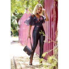 Que amor os looks novos, cheios de estilo e super alinhados às novas tendências, como este body musoooo pela blogger-arraso @Maridalla🍾  Shop em nossas revendas ou em www.poemahit.com.br ❤️ #shoponline #amoPoema #preview #aw17 #ootd #blogueiras