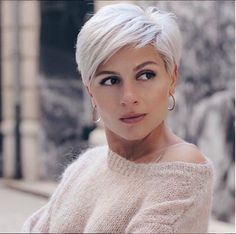 25 Coolest Pixie Haircut Both For Curly Hair And Straight Hair - Hair Beauty Pixie Haircut For Thick Hair, Haircuts For Fine Hair, Short Pixie Haircuts, Short Hairstyles For Women, Straight Hairstyles, Curly Pixie, Haircut Short, Choppy Pixie Cut, Haircuts For Over 60