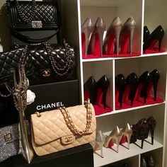 These Chanel bags are a bad habbit. Wealthy Lifestyle, Luxury Lifestyle Fashion, Rich Lifestyle, Billionaire Lifestyle, Luxury Fashion, Lady Luxury, Travel Fashion, Women's Shoes, Top Shoes