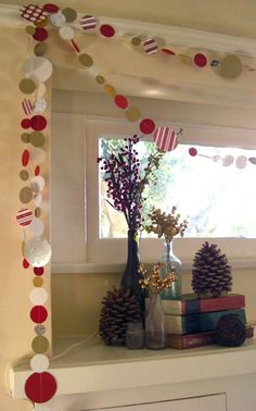 Christmas paper garland, would be cool to make from last years Xmas cards! Noel Christmas, Christmas Paper, Simple Christmas, Christmas Projects, Winter Christmas, All Things Christmas, Christmas Christmas, Christmas Ornament, Christmas Decor Diy Cheap