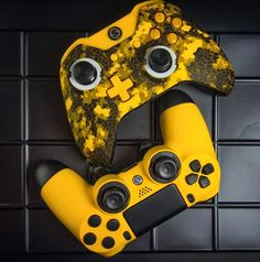 SCUF Infinity Digital Camo series custom controllers, for Xbox and PlayStation, are fully-loaded with innovations and patented technology that makes SCUF the choice for over for all Pro Gamers. Control Xbox, Manette Xbox One, Mundo Dos Games, Xbox One Skin, Xbox One Controller, Xbox 360, War Craft, Digital Camo, Gaming Accessories