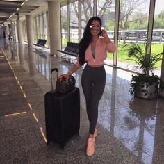Model • Blogger • Artist  Polish / Twin / UK Lilly Lashes Ambassador  Snapchat -> laurabadura  Contact -> lauramodel21@gmail.com