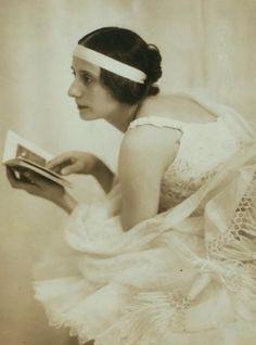 avanishedtime:  Anna Pavlova, 1915