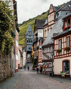 Endless vineyards, river and a medieval town in the middle, can it be more idyllic! Bacharach, Germany With Places Around The World, Oh The Places You'll Go, Places To Travel, Around The Worlds, Beautiful Buildings, Beautiful Places, Monteverde, Medieval Town, Europe Destinations