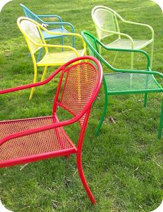 spray painted chairs - where do they find these things??????? I want some