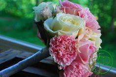 simple romantic bouquet #wedding bouquet #wedding ideas