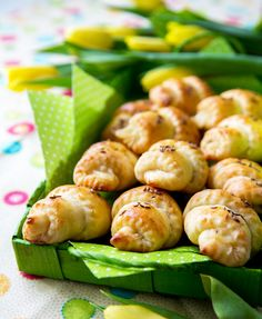 Juustosarvet | Reseptit | Kinuskikissa Food Tasting, Baked Potato, Shrimp, Gluten Free, Meat, Baking, Taste Food, Ethnic Recipes, Glutenfree