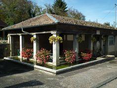 Lavoirs du Doubs,  à Vellevans.  France.