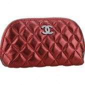 A perfect clutch to go with your eveningwear, this Chanel clutch has the looks and the style befitting glamour through and through