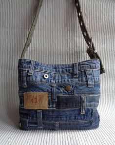 Denim purse handbag shoulder cross body bag recycled distressed grunge rock by BukiBuki on EtsyOne of a kind handmade denim purse. Very unusual and stylish handbag for your casual look! For you to stand out, as it is truly unique thing.Shop for on Etsy, t Diy Jeans, Jean Diy, Blue Jean Purses, Diy Sac, Denim Purse, Denim Crafts, Recycled Denim, Handmade Bags, Handmade Handbags