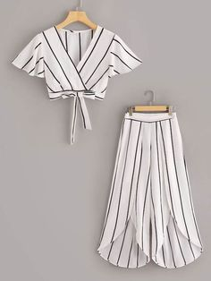 To find out about the Surplice Neck Stripe Top & Split Wide Leg Pants Set at SHEIN, part of our latest Two-piece Outfits ready to shop online today! Dresses Kids Girl, Cute Girl Outfits, Cute Casual Outfits, Stylish Outfits, Girls Dresses Sewing, Girls Fashion Clothes, Teen Fashion Outfits, Fashion Dresses, Peplum Dresses