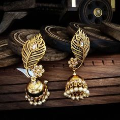 """ossum Traditional jewellery (@ossum_traditional_jewellery) on Instagram: """"For any inquiries please whatsapp +91 9815717973 #indianjewellery #allthingsbridal #desicounure…"""" Indian Jewelry Earrings, Jewelry Design Earrings, Gold Earrings Designs, Designer Earrings, Fashion Earrings, Fashion Jewelry, Antique Jewellery Designs, Fancy Jewellery, Gold Jewellery Design"""