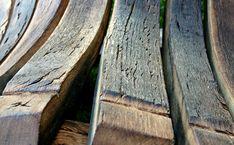 The WAVE project was inspired by one of several chairs, armchairs designed by an eminent artist – Le Corbusier. It is a peculiar blend of modernism and traditional comfort. / Großer Le Corbusier entwarf einige Stühle, Sessel; ein von ihnen wurde zu einer Inspiration für den präsentierten WAVE. Es ist eine eigenartige Melange des Modernen mit traditioneller Bequemlichkeit. The Wave, Le Corbusier, Old Wood, Contemporary Interior, Scandinavian Style, Armchairs, Modern, Garden Design, Vintage Fashion