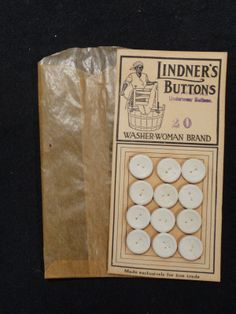 ButtonArtMuseum.com - Antique Linder's Washer Woman Brand Underwear Buttons on Card Black Americana