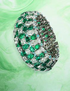 David Morris Jeweller - Shot by Jonathan Knowles for Luxure Magazine  #davidmorris #jewellery #necklace #earrings #bracelet #cuff #diamonds #jewels #sapphire #emerald