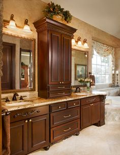 Balmoral - traditional - bathroom - dallas - by Euro Design/Build/Remodel Master Bathroom Layout, Small Bathroom, Shower Bathroom, Home Design, Shower Remodel, Remodel Bathroom, Budget Bathroom, Bathroom Ideas, Bathroom Vanity Designs