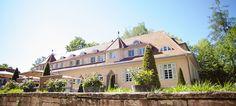 Waldhotel Stuttgart - Top 20 Hochzeits-Location Stuttgart #hochzeit #feiern #location #event #einzigartig #weiß #schwarz #heirat #stuttgart #special #wedding #unique #stunning