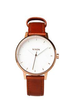 Nixon The Kensington Leather in Rosegold/White en Or Rose & Blanc | REVOLVE