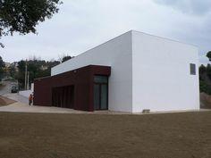 #Edificios #Moderno #Exterior #Puertas #Fachada #Vidrio