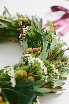 DIY: How to Make a Gorgeous Wreath #HelloGreen