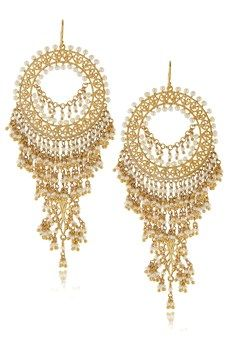 isharya pearl gold earrings.