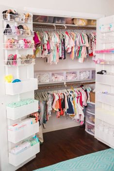 Keep your baby's nursery organized with these 11 clever and stylish nursery organization ideas. Related posts:disney baby nursery ideasDecorate your baby girl's nursery beautifully with these light colors: blush. Baby Bedroom, Baby Room Decor, Girls Bedroom, Room Baby, Trendy Bedroom, Baby Girl Bedroom Ideas, Baby Room Ideas For Girls, Girl Toddler Bedroom, Kid Bedrooms