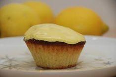 Citronmåne – bagt som minimåner i muffinforme Scones Ingredients, Danish Food, Eat Smart, Mini Muffins, Food Cakes, Baking Cakes, Love Cake, Four, Mini Cakes