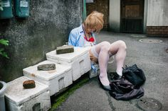 20 Shocking Photos Of Drunk Japanese By Lee Chapman Show The Ugly Side Of Drinking Japanese Photography, Image Photography, Life Photography, Digital Photography, Street Photography, Loi Evin, Alex Webb, Beautiful Places In Japan, Effects Of Alcohol