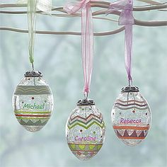 These Easter Crackle Glass Eggs are stunning and you can personalize one for everyone in your family!