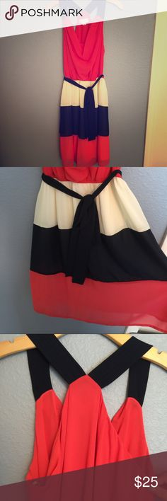 F21 halter color block dress with side tie NWOT dress! Dress falls right about knee on me (I'm 5'11) no rips or stains, never worn. Forever 21 Dresses