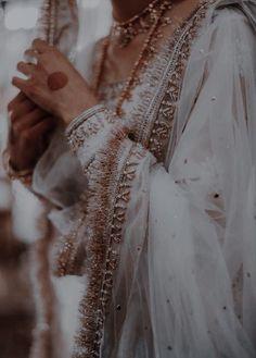 Pakistani Bridal Dresses, Pakistani Outfits, Pakistani Fashion Casual, Indian Dresses, Asian Fashion, Indian Outfits, Indian Wedding Outfits, Desi Bride, Desi Wedding