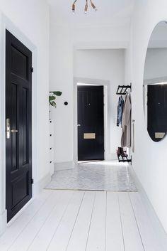 29 Ideas For Hallway Lighting Fixtures Black Doors - Modern Hallway Light Fixtures, Hallway Lighting, Home Interior, Interior Decorating, Interior Design, Black And White Interior, Black White, Black Doors, Home Decor Inspiration