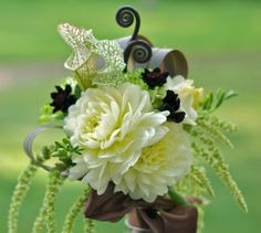 White Dahlia Wedding Flowers | Wedding Flowers