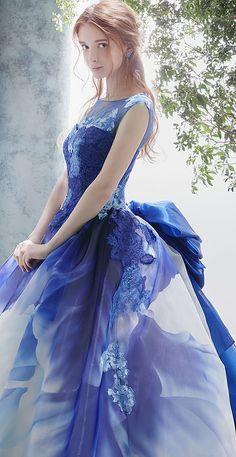 松尾のウェディングドレス、メンズフォーマルウェアのサイト Quinceanera Dresses, Prom Dresses, Formal Dresses, Wedding Dresses, Look Star, Fantasy Gowns, Embellished Dress, Beautiful Gowns, Dream Dress