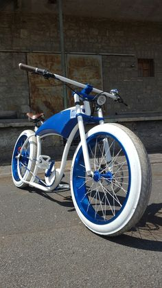 Custom Tricked Out Lowrider Bike With Carriage