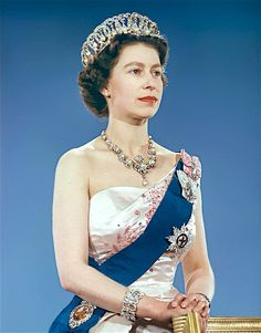 Thread by Will Queen Elizabeth II go to prison? Is the Quen 'Act of War' against The People of The United States of America? In other words, did the Queen attempt a cou… Royal Queen, Queen Mary, Queen Elizabeth Ii, King Queen, Elizabeth Young, Reine Victoria, Queen Victoria, Alexandra Feodorovna, Windsor