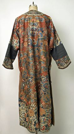 Court robe (image 2)   Chinese   18th century   silk, metal   Metropolitan Museum of Art   Accession Number: C.I.47.11.2