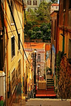 Valparaiso - Chile, America do Sul Beautiful Places To Travel, Cool Places To Visit, Central America, South America, Bolivia, Cities, Street Art, Equador, City Landscape
