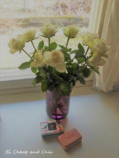 XL Cheap & Chic: Ruusuja ja saippuaa - Soap and roses. Glass Vase, Roses, Soap, Chic, Plants, Home Decor, Shabby Chic, Elegant, Decoration Home
