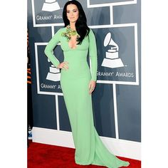 Katy Perry - Grammys 2013 Red Carpet: Photo Katy Perry is gorgeous in green on the red carpet at the 2013 Grammy Awards on Sunday (February at the Staples Center in Los Angeles. The singer… Katy Perry Grammy, Grammys 2013, Katy Perry Pictures, Long Sleeve Gown, Fashion Fail, Star Wars, Hollywood, Red Carpet Dresses, Red Carpet Fashion