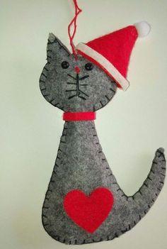 GREY SANTA CAT felt Christmas tree decoration LOVE HEART NEW