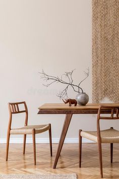 Stylish dining room in japandi interior design style. Rattan accessories Japan Interior, Japanese Interior Design, Scandinavian Interior Design, Scandinavian Style, Scandinavian Furniture, Estilo Interior, Interior Styling, Interior Decorating, Dining Room Interior Design