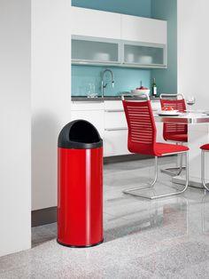 BigBin Cap 45 - Die praktische Großraum-Abfallbox mit großer Einwurföffnung.