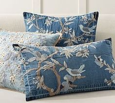 Denim Floral Embroidered Pillow Cover Pottery Barn - Why Should Your Favorite Jeans Have All The Fun This Pillow Cover Brings One Of The Latest Fashion Trends To Your Sofa With A Beautiful Embroidered Floral Over A Patchwork Denim Background E A Accent Pillows, Bed Pillows, Cushions, Lumbar Pillow, Knot Pillow, Best Pillows For Sleeping, Artisanats Denim, Denim Art, Toile