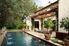 Le plus récent Coût -Gratuit mediterranean Style Architectural Populaire Spanish Style Homes, Spanish House, Spanish Revival, Spanish Colonial, Spanish Bungalow, Spanish Pool, Spanish Courtyard, Pergola Patio, Backyard